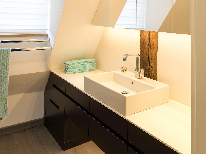 11treedesigns   Bad Dachschräge Waschbecken